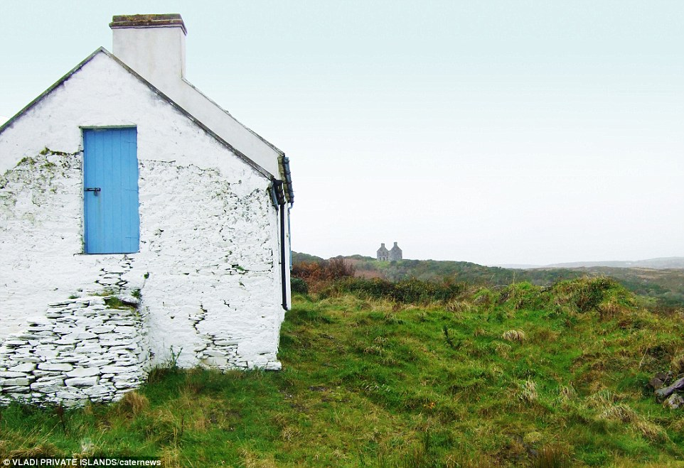 Spanish Island off the coast of Cork, Ireland, an island cheaper than a London flat
