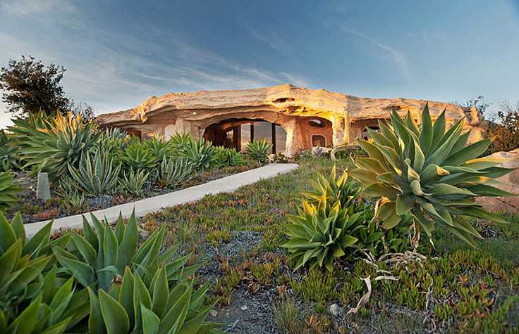 Flintstones-Style-Malibu-Retreat-small
