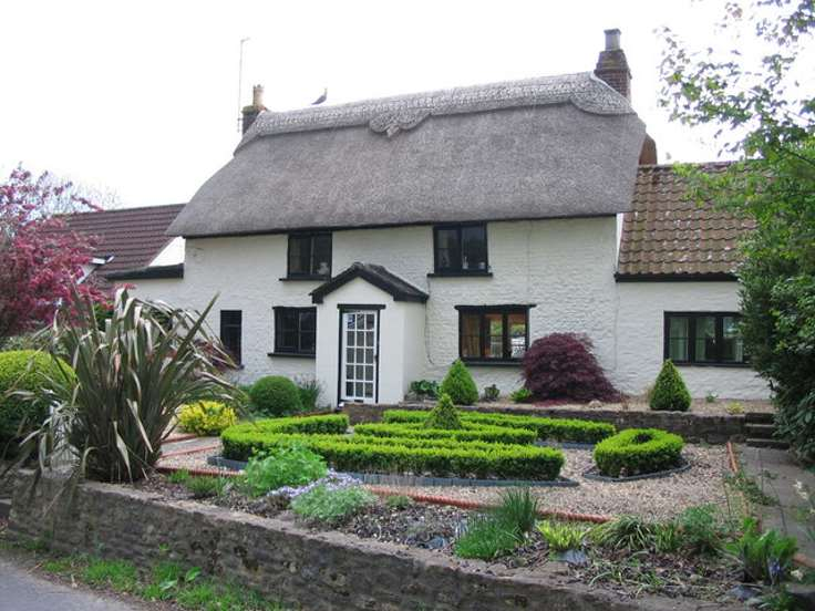 Phil-Williams-thatched-cottage-small