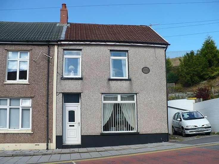 Robin-Drayton-terraced-house-small